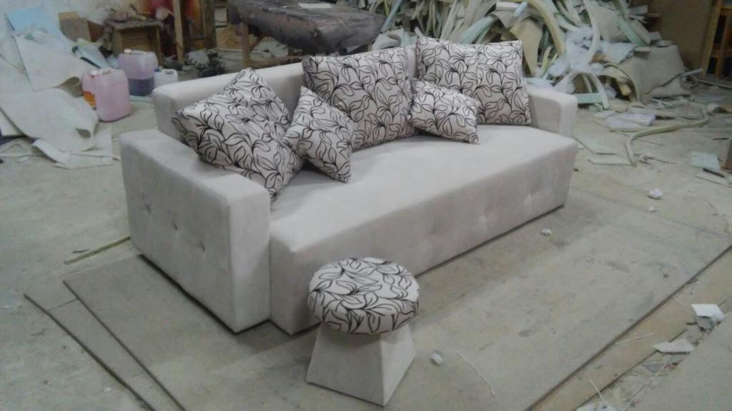 Реставрація дивана зі зміною дизайну. 1