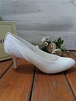 Свадебные туфли на каблуке