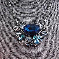 Кулон на цепочке Букет с синими и белыми кристаллами, металл под серебро, 60мм
