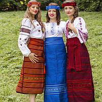 Український костюм і сучасні плаття в українському стилі