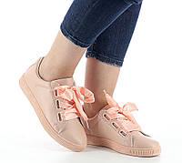 Модные кеды розового цвета на шнуровке