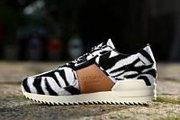 Кроссовки женские Adidas  ZX700 Remastered Zebra White Black - 1450 (адидас)