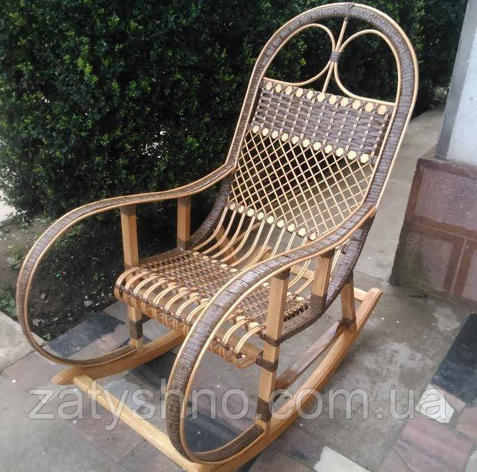 Плетёное кресло-качалка