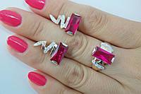 Комплект серебряных украшений с розовым камнем и золотом