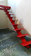 2х маршевый открытый каркас лестницы красного цвета на 1м косоуре