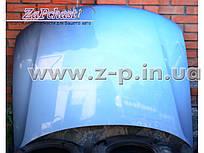 Капот первой комплектации Volkswagen Passat B5 1996-2000 годов выпуска.