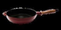 Сковорода сотейник с деревянной ручкой d=240, h=60, покрытая цветной глянцевой эмалью. Красный цвет