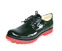 Туфли на низком ходу со шнуровкой