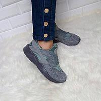 Женские кроссовки серые Хуараче