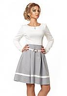 Женское платье бело-серого цвета с юбкой-клеш. Модель 1004 SL.