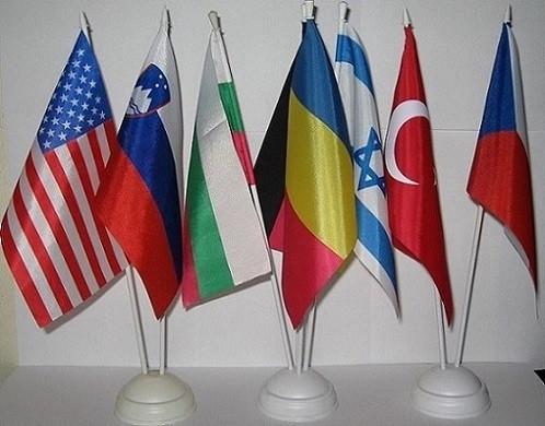 Изготовление настольных флагов