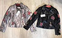 Женская куртка дизайнерская из кожзаменителя с вышивкой