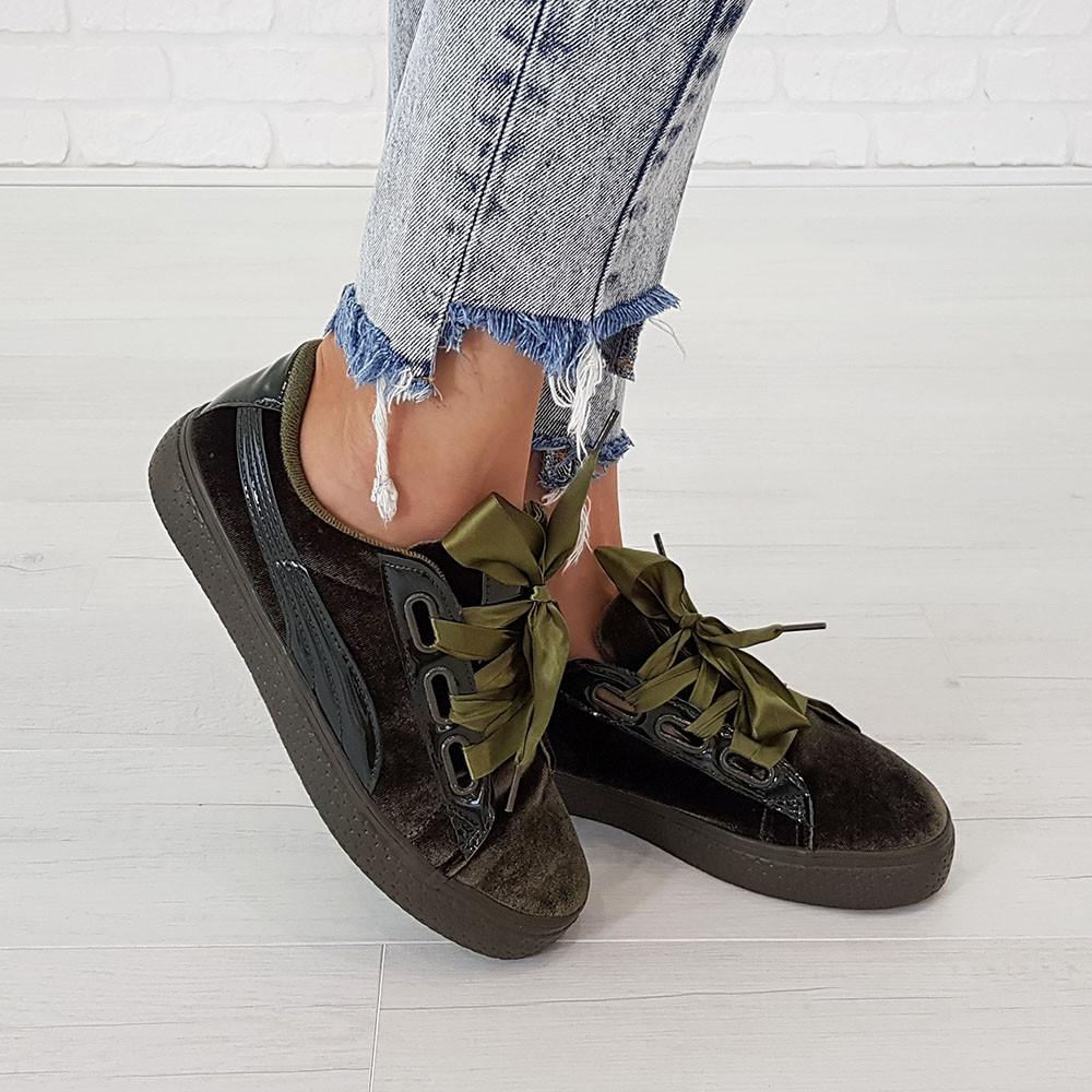 Женские оливковые кроссовки криперы маломерные Woman's heel из велюра на шнуровке