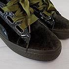 Женские оливковые кроссовки криперы маломерные Woman's heel из велюра на шнуровке, фото 6