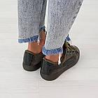 Женские оливковые кроссовки криперы маломерные Woman's heel из велюра на шнуровке, фото 2