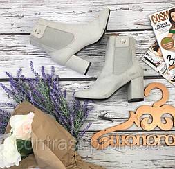 Деликатные полусапожки Asos с бархатистым верхом и декором голенища  SH3541