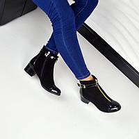 Демисезонные ботиночки STIL натуральная замша, носочек лак, внутри байка