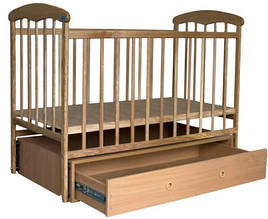Детская кроватка Наталка Светлая (с маятником и ящиком)