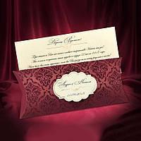 Приглашения на свадьбу бордового цвета в красивом футляре с бархатными узорами