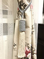 Кисти подхваты для штор цвет белый с серым  57см ручная работа .