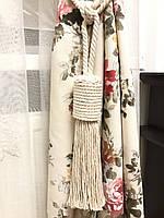 Кисти подхваты для штор цвет белый  63 см ручная работа .