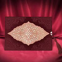 Бархотное приглашение на свадьбу с лазерной высечкой