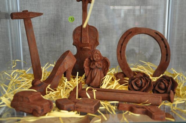 Шоколадные фигуры, палочки