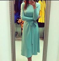 Приталенное женское платье миди