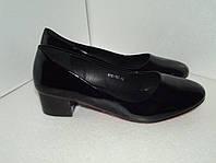 Лаковые женские туфли батал, р. 42