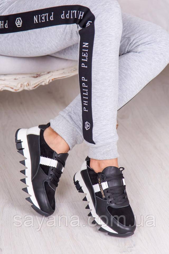 классные женские кроссовки