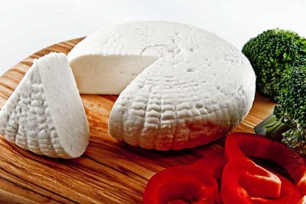 Сир адигейський від Малороганський молочний завод