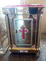 Церковный жертвенник на литых ножках с литьем металла в декоре