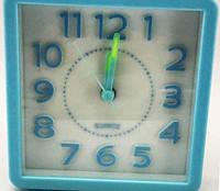 Часы будильник 3358 кварцевые (фосфорные стрелки)