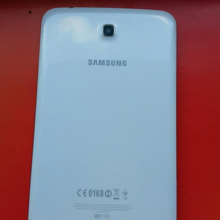 Samsung Galaxy Tab3 T210 крышка белая стекло камеры оригинал б/у