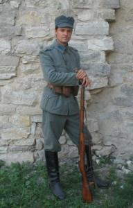 Краткая история украинского мундира.