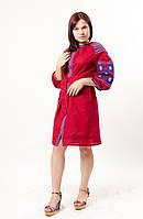 Яркое платье-вышиванка