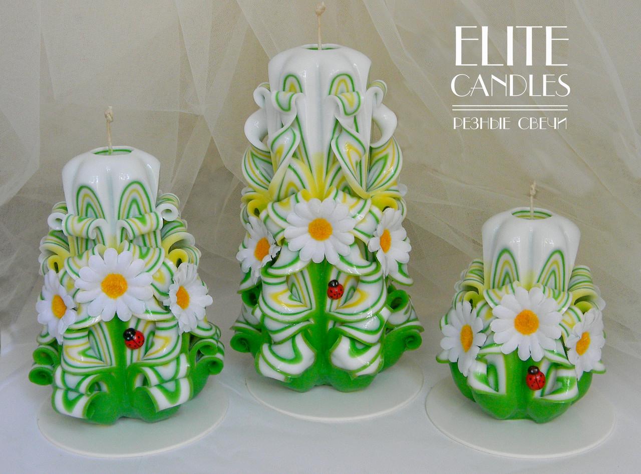 Набор весенних свечей с ромашками