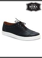 Стильные мужские кожаные туфли на белой подошве