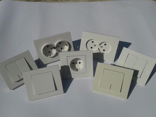 Розетки, выключатели OVIVO Grano белого цвета