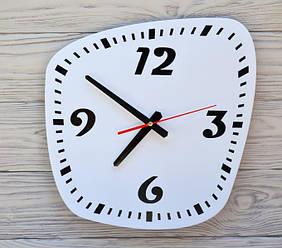 Часы настенные бело-черные Montreal