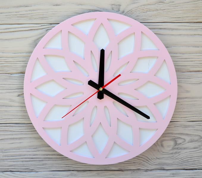 Годинники настінні рожеві Tokyo