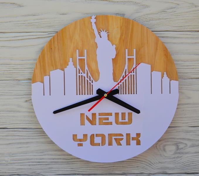 Часы настенные сиреневые New York