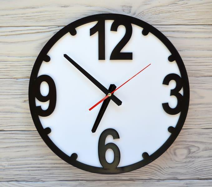 Часы настенные черно-белые Chicago