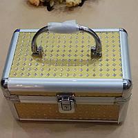 Шкатулка-сундук для украшений золотистая с зеркальцем