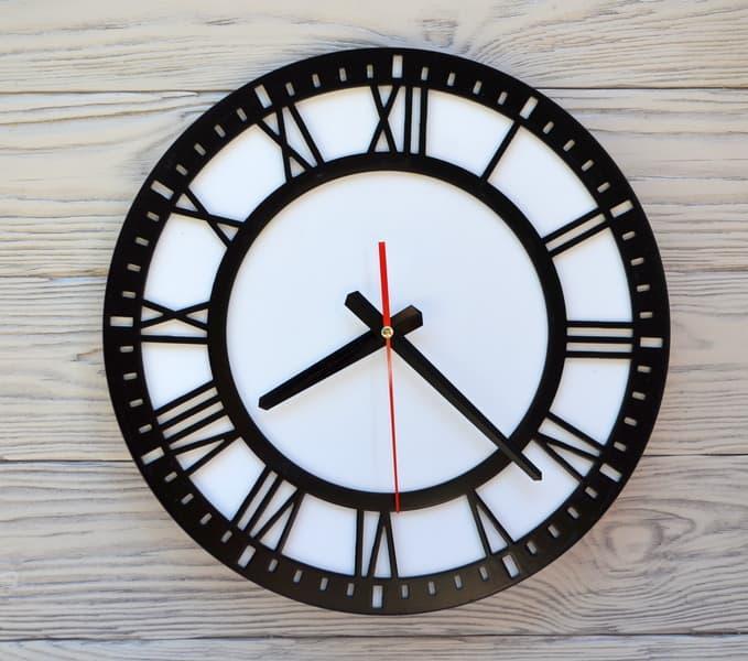 Часы настенные черно-белые Rome