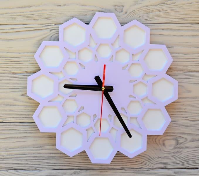 Часы настенные сиреневые Lima