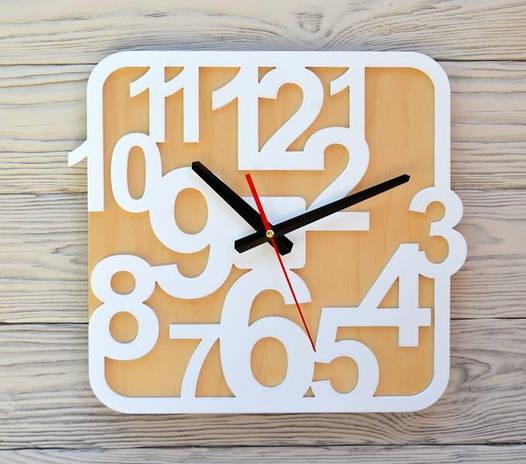 Часы настенные белые Sofia