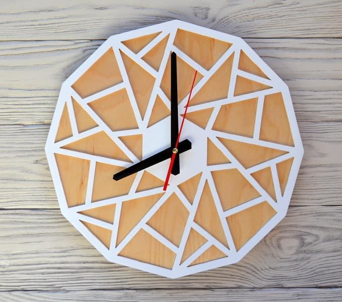 Часы настенные белые Rio