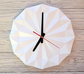 Часы настенные белые Singapore