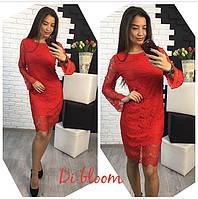 Гипюровое платье с длинными рукавами красного цвета
